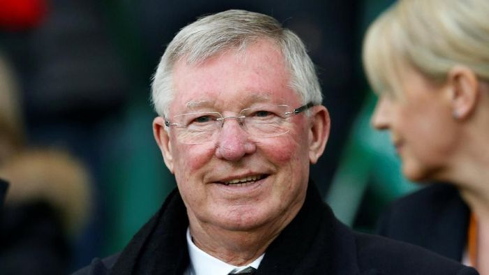 FILE PHOTO: Soccer Football - Saint-Etienne v Manchester United - UEFA Europa League Round of 32 Second Leg - Stade Geoffroy-Guichard, Saint-Etienne, France - 22/2/17 Sir Alex Ferguson in the stands Action Images via Reuters/ Andrew Boyers Livepic/File Photo