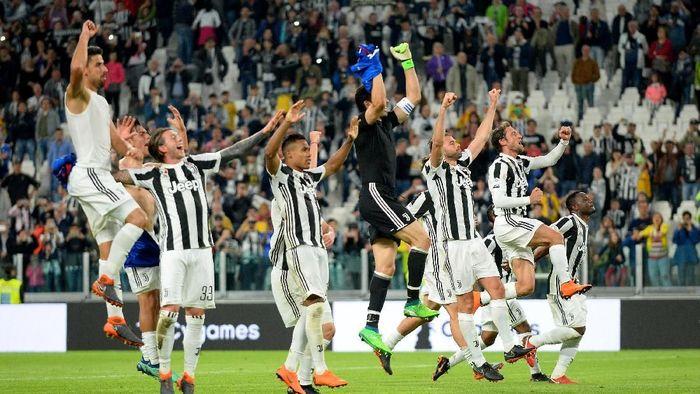 Juventus berpeluang mencatat rekor clean sheet di pentas Serie A. (Foto: Massimo Pinca/Reuters)