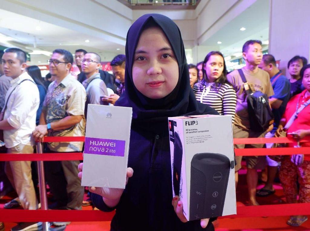 Penjualan Perdana Huawei Nova 2 Lite Mencapai 6.000 Unit