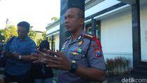 Polisi Larang Bonek Masuk Stadion Bila Tercium Bau Miras