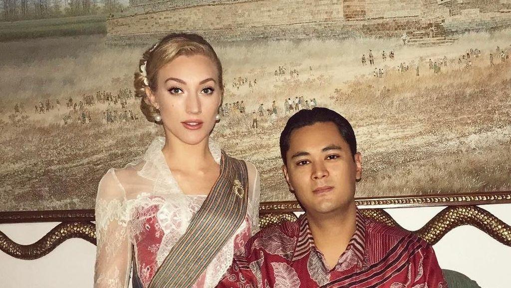 Gaya Bule Cantik Berkebaya Pacar Cucu Soeharto, Panji Trihatmodjo