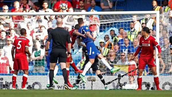 Gol Giroud Bawa Chelsea Memimpin atas Liverpool