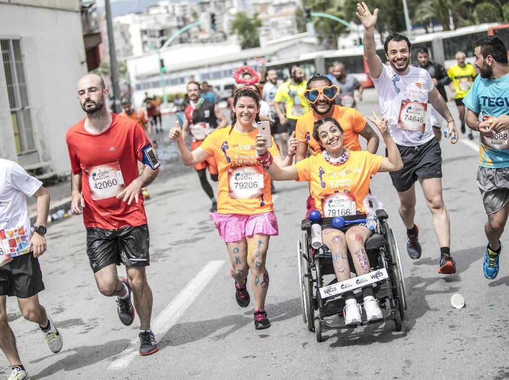 Antusiasme Ribuan Orang Berlari untuk Beramal