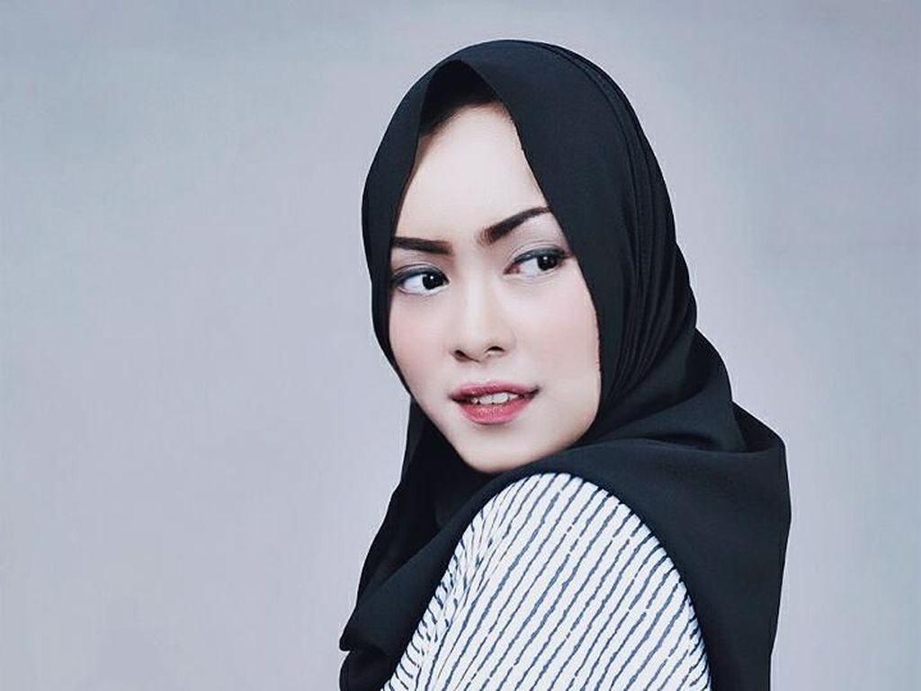 Intip Cantiknya Mahasiswi Bandung yang Siap Audisi Sunsilk Hijab Hunt