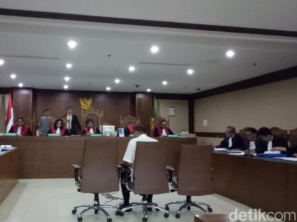 Kadis di Lampung Tengah Didakwa Jadi Perantara Suap Bupati Mustafa