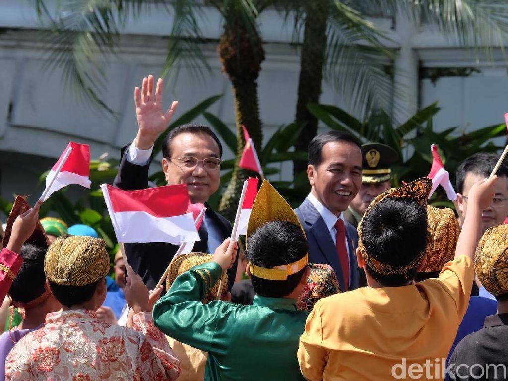 Momen Akrab Jokowi dan PM China di Bogor: Ngobrol hingga Tanam Pohon