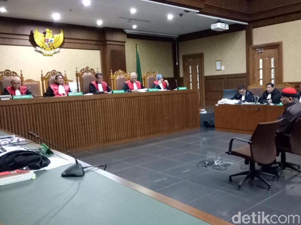 Abun Penyuap Bupati Rita Dituntut 4,5 Tahun Penjara