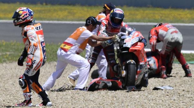 Dani Pedrosa mengalami kecelakaan kedua di MotoGP 2018.