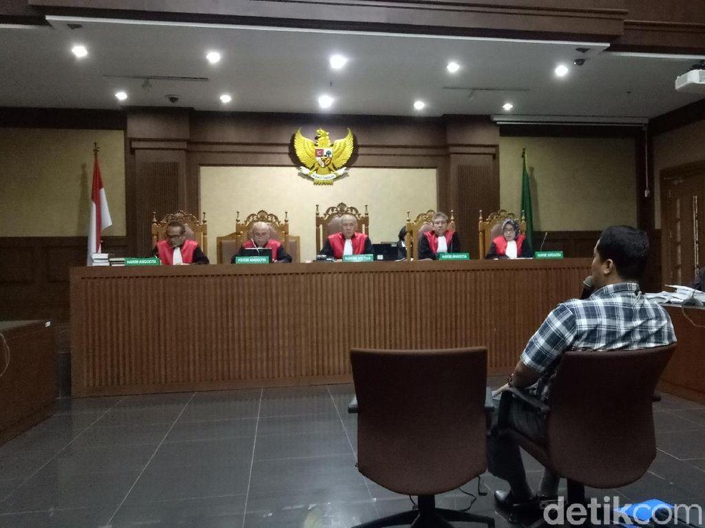 Cerita Soal Novanto Tiba-tiba Sadar dan Pegang Tangan Penyidik KPK