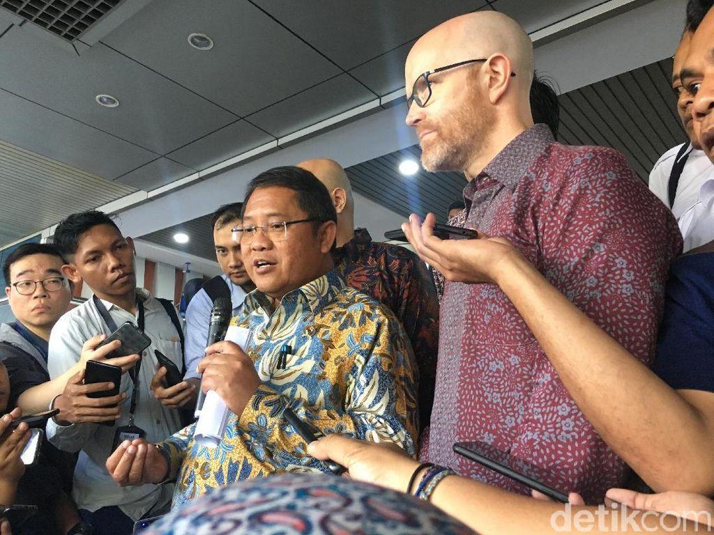 Menkominfo Ralat Status Perusahaan Facebook di Indonesia
