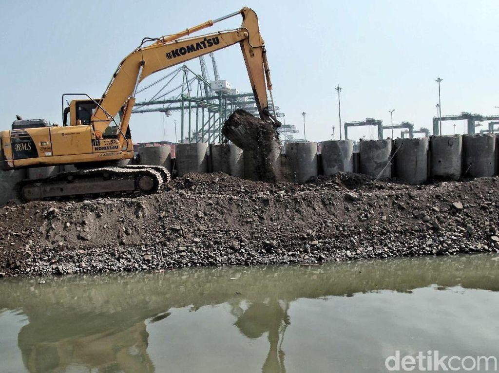 Pembangunan Tanggul Pengaman Pantai Cilincing