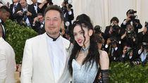 Elon Musk Ketahuan Unfollow Kekasihnya, Putus?