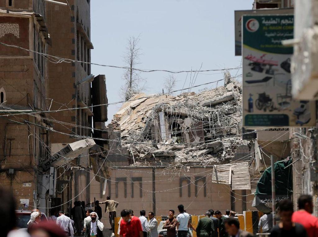 Jet Tempur Saudi Serang Istana Kepresidenan Yaman, 6 Orang Tewas