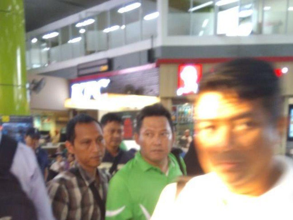 Pemred Obor Rakyat Ditangkap Saat Hendak Naik Kereta ke Bandung