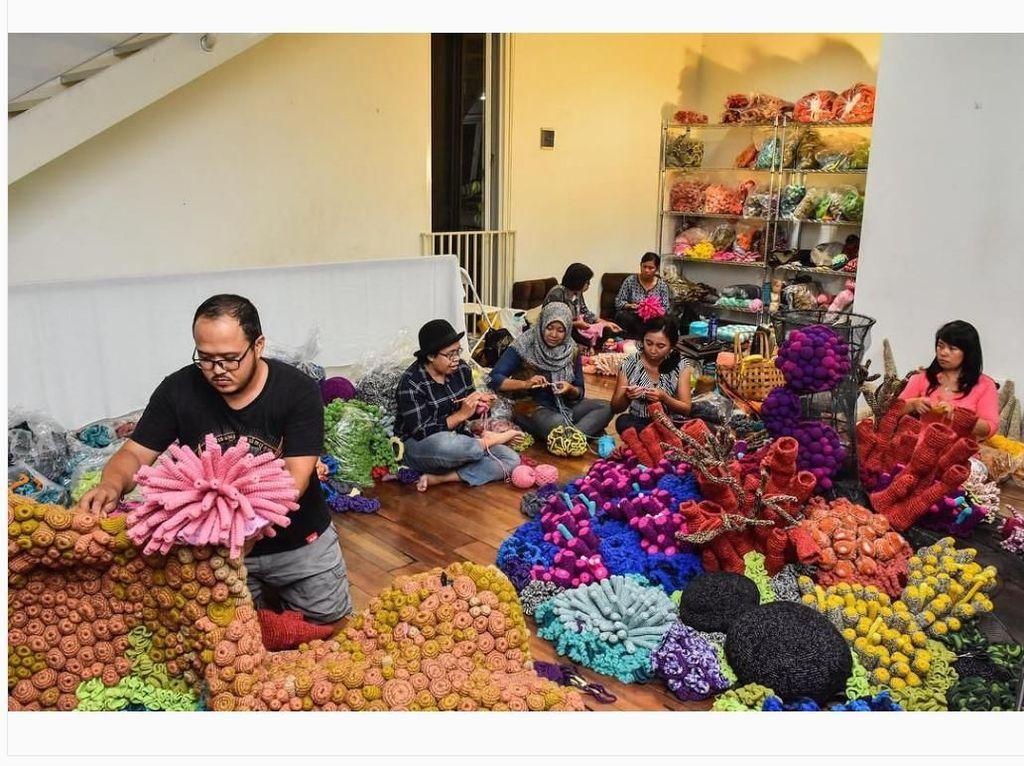 Tulis Buku hingga Pameran Tunggal, Rencana Seniman Mulyana Berikutnya