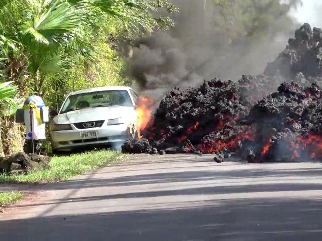 Cerita di Balik Foto Viral Mobil Dimakan Lava Gunung Kilauea