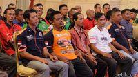 Para sopir truk yang datang mengadu ke Jokowi