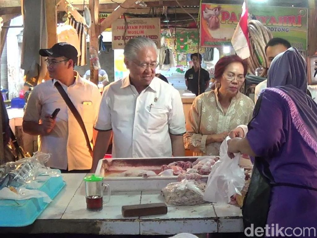 Blusukan ke Pasar Kuta, Mendag: Tak Ada Kenaikan Harga