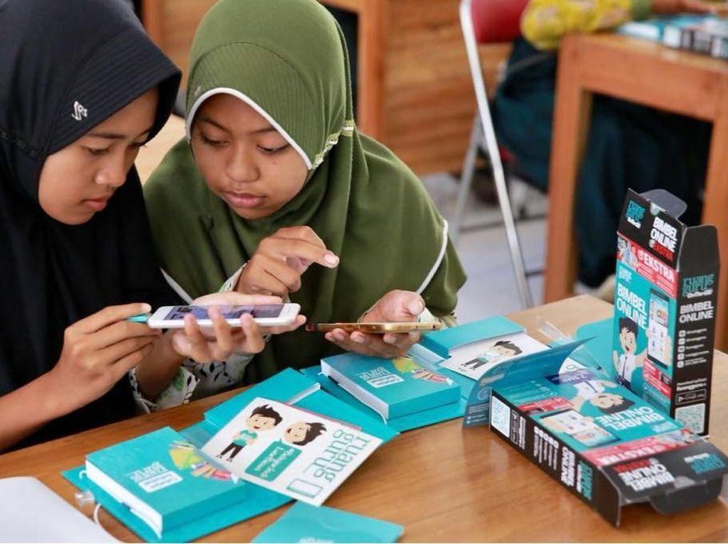 Pelajar di Desa Paling Gembira Diberi Akses Materi Belajar Digital