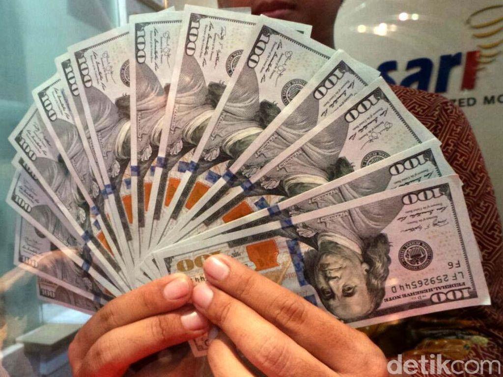 Dolar AS Lengser dari Rp 14.000