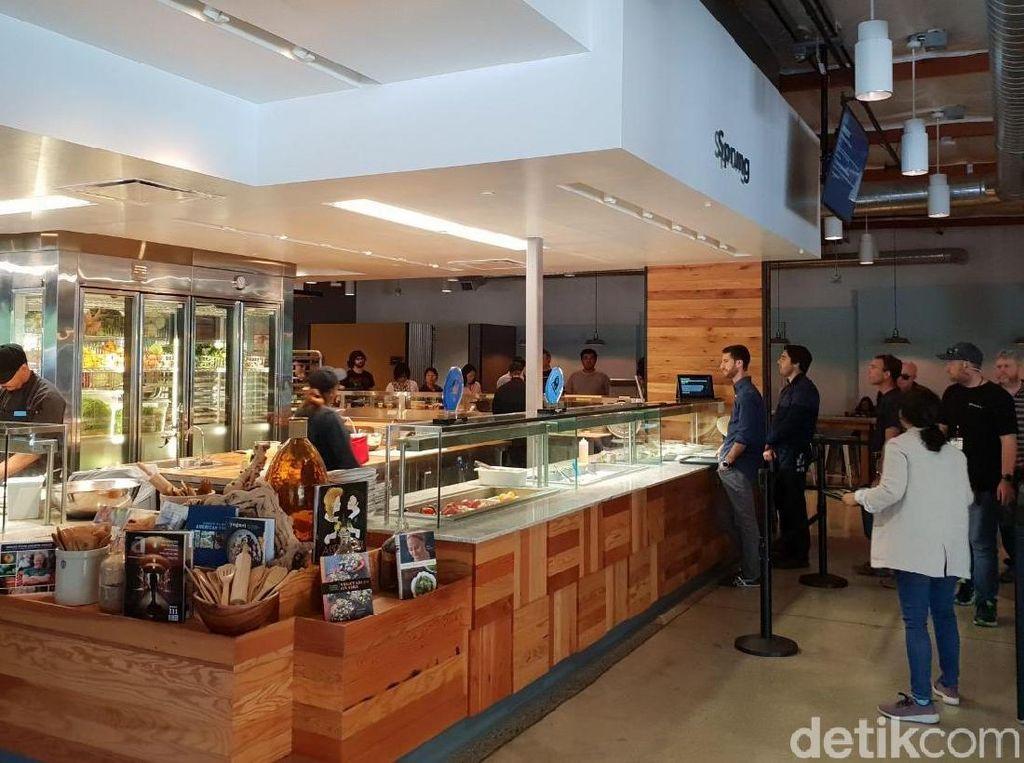 Mencicipi Makan Gratis di Markas Besar Google