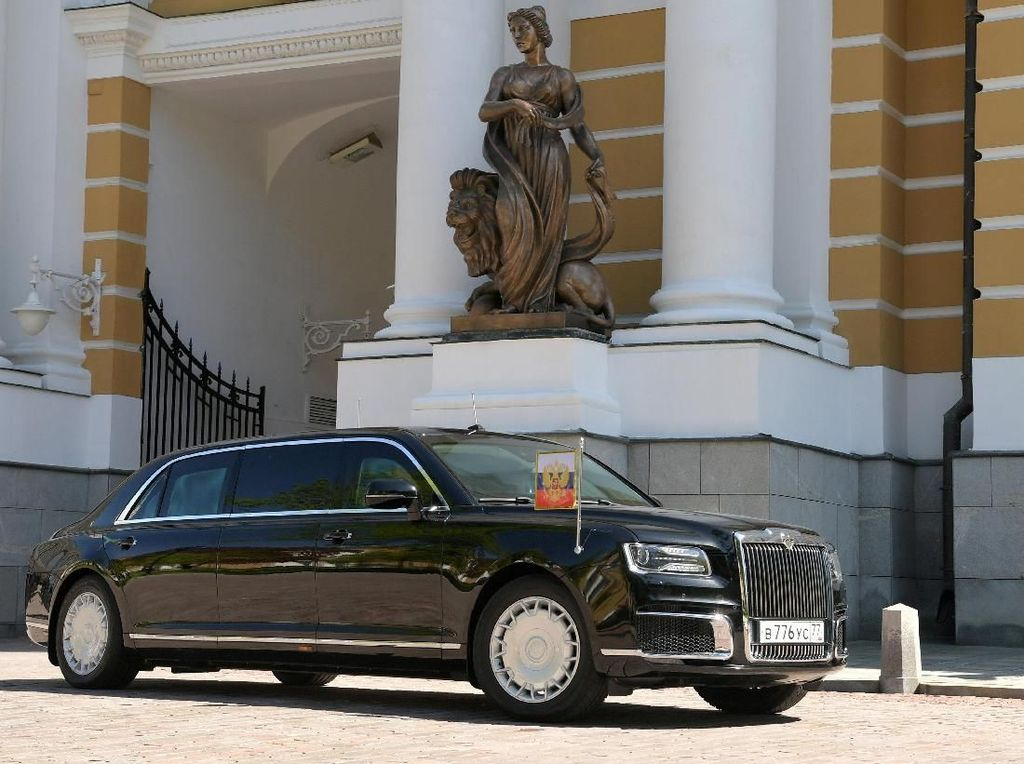 Jokowi Mau Buat Mobil Seperti Putin? Siapkan Saja Rp 2,7 Triliun