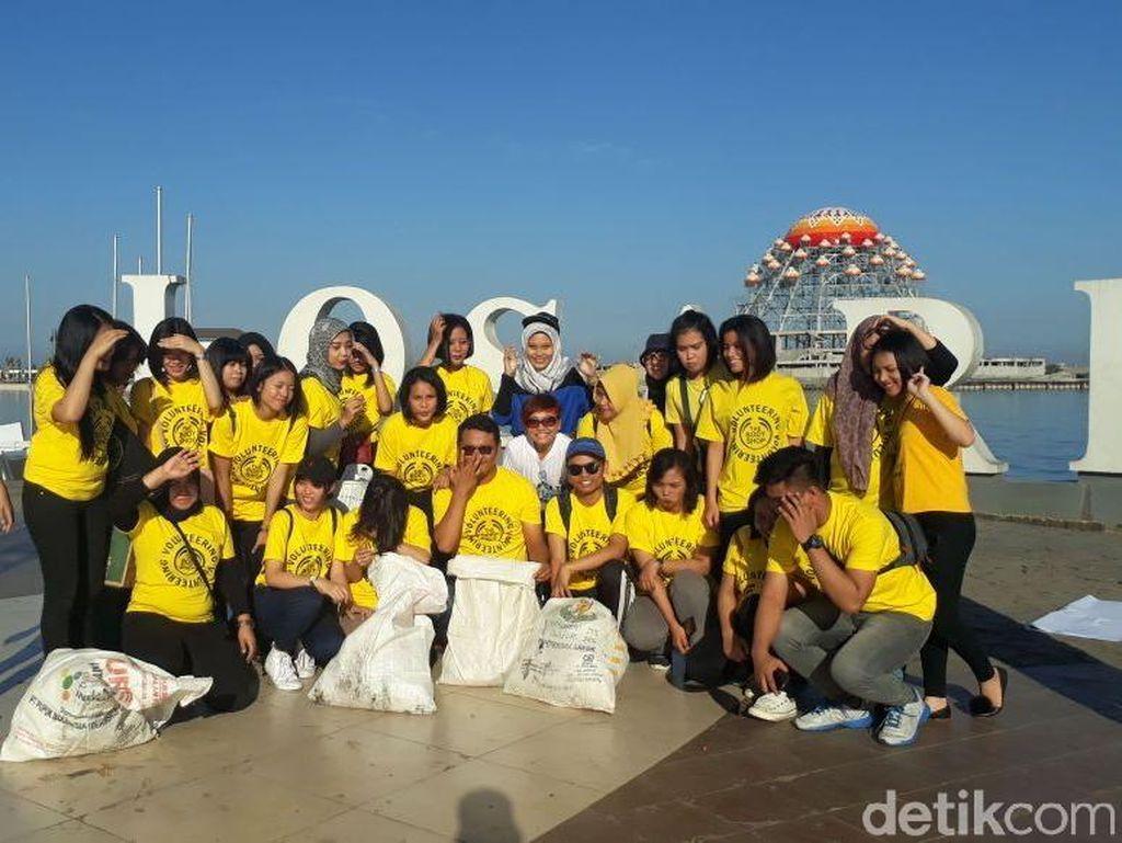 Aksi Bersih Sampah Laut di Hari Terakhir MIWF 2018