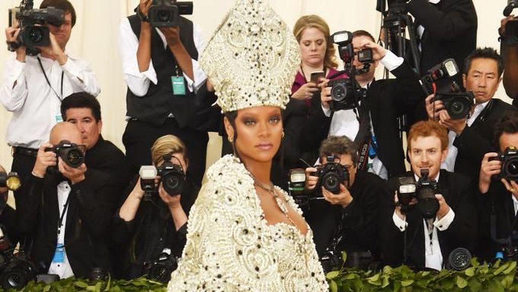Duh! Ada Perampok Nginep di Rumah Rihanna