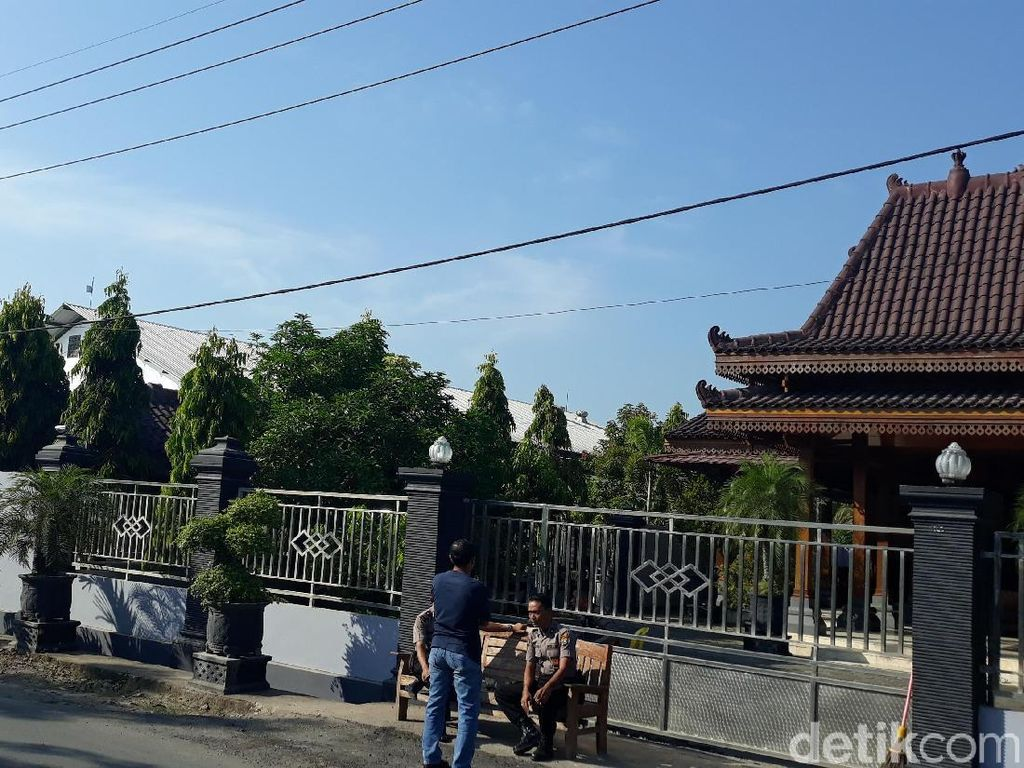 Gudang Diduga Tempat Pengoplosan Beras di Ngawi Digerebek Polisi