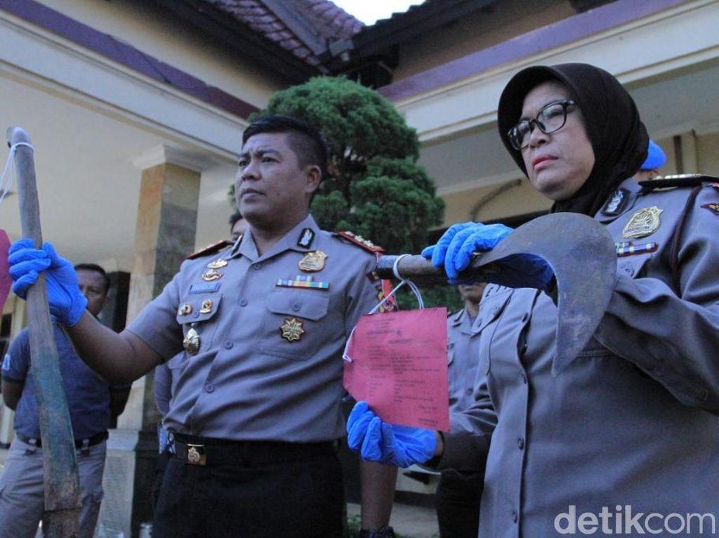 Ngeri! Pria Bantai Ibu dan Istri Pakai Cangkul di Bandung