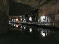 Selain terowongan, Jhaishan juga jadi saluran air (v77978/Instagram)