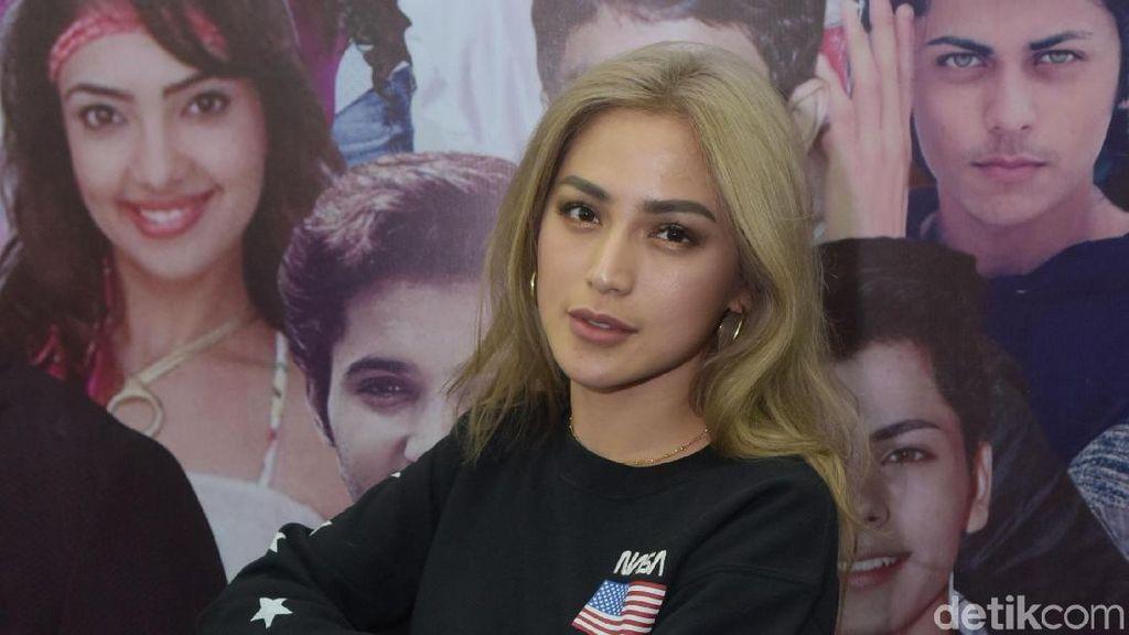 Jessica Iskandar Bantah Hamil Lagi