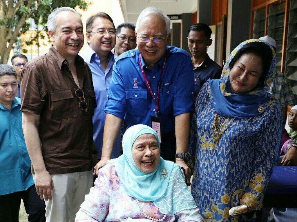 Ibunda Mantan PM Malaysia Najib Razak Meninggal Dunia