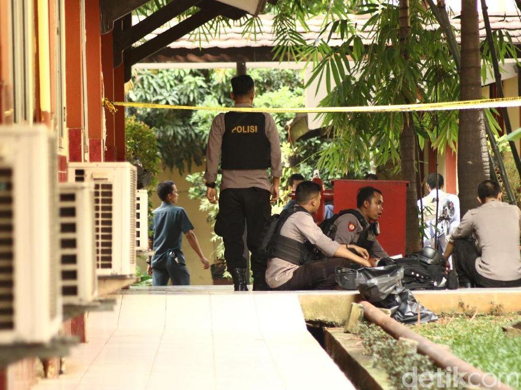 Polri: Napi Teroris di Mako Brimob Rebut Senpi Anggota