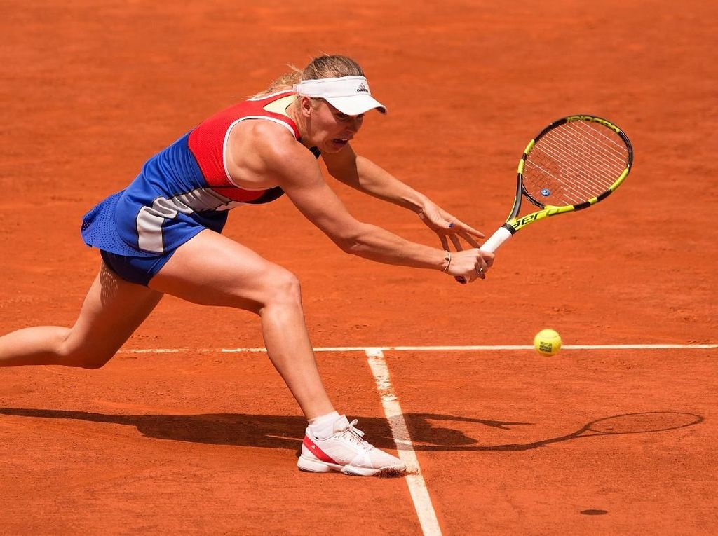 Wozniacki Tersingkir, Halep ke Perempatfinal