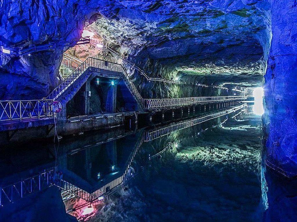 Bekas Terowongan Perang yang Kini Jadi Tempat Konser