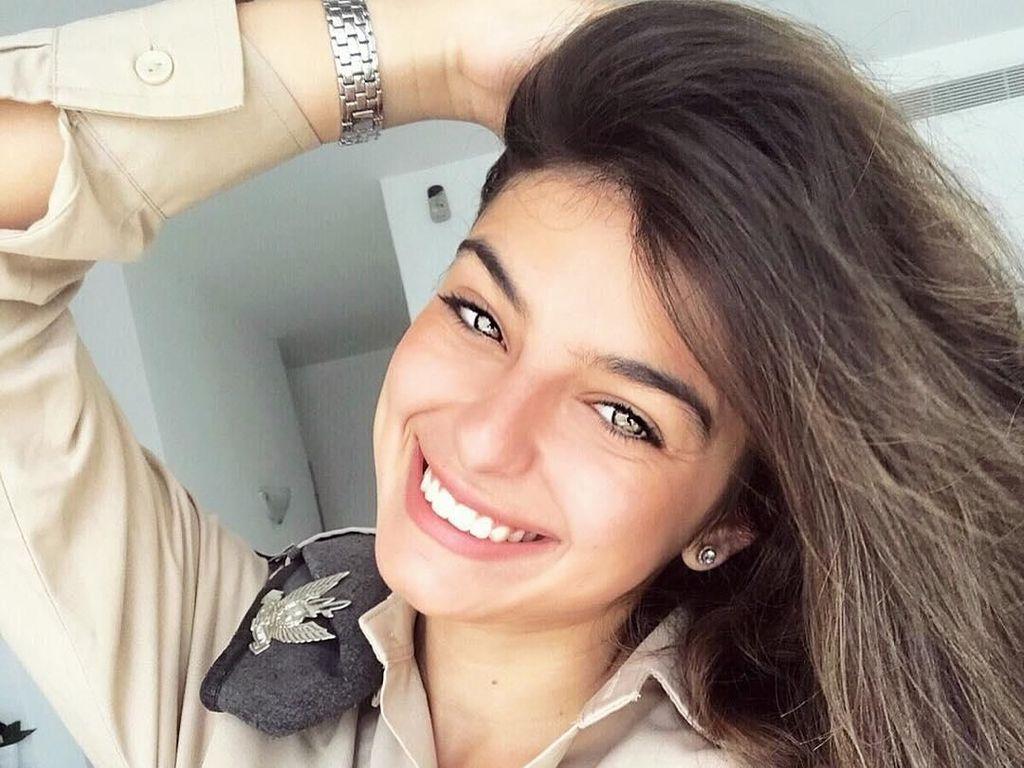 Tersihir Pesona Noa Elharar, Model Cantik yang Jadi Tentara Israel
