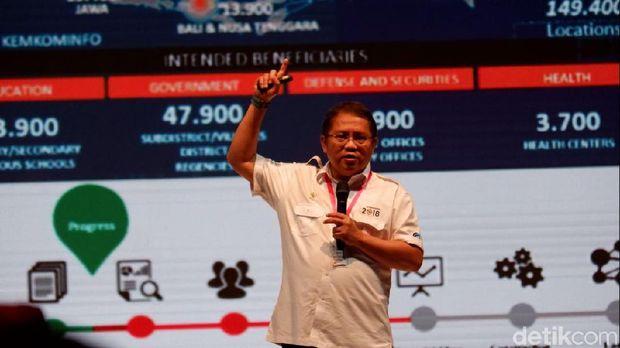 Menkominfo Rudiantara di sela-sela acara.