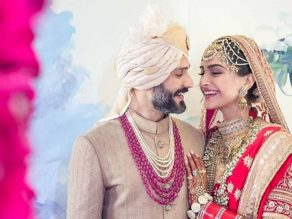Shah Rukh Khan-Salman Khan Nari Bareng di Pernikahan Sonam Kapoor