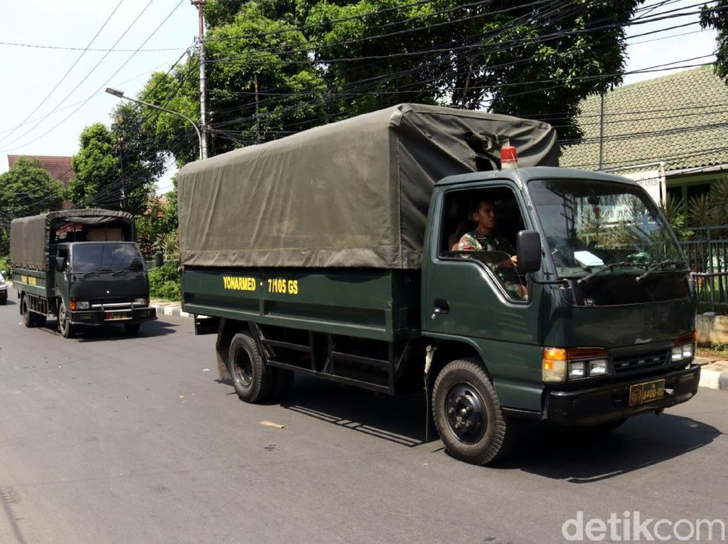 Seruan Bersama HRS Berimbas Sanksi ke Prajurit TNI