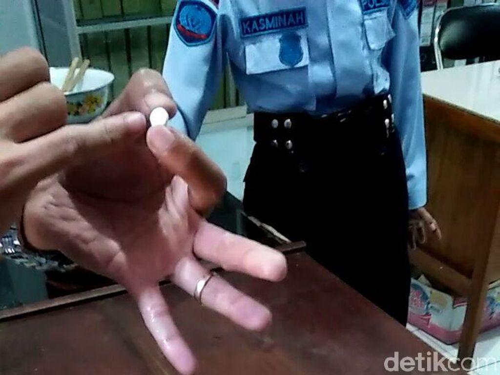 Puluhan Pil Koplo Diselundupkan ke Lapas Lewat Oseng-oseng Cumi