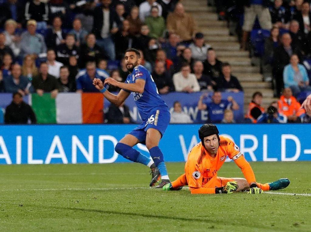 Arsenal Dilibas Leicester 1-3