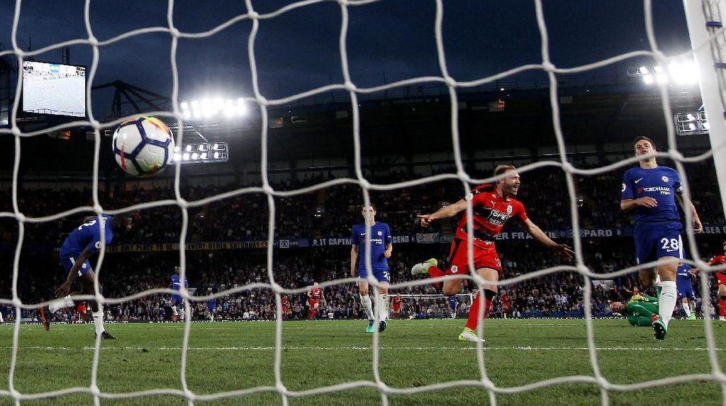 Pesta Kecil Huddersfield di Atas Kekecewaan Chelsea