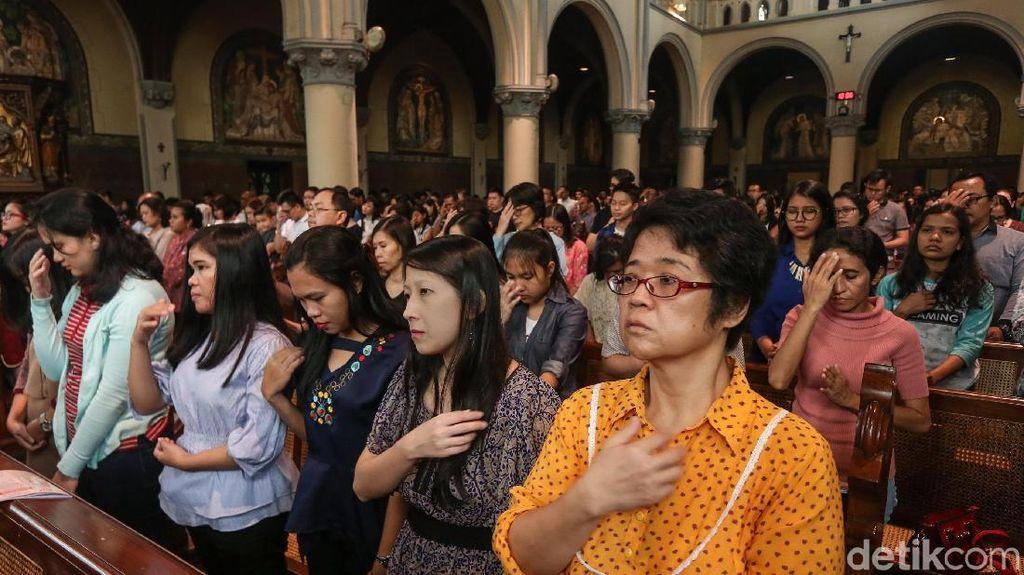 Perayaan Kenaikan Isa Almasih di Katedral
