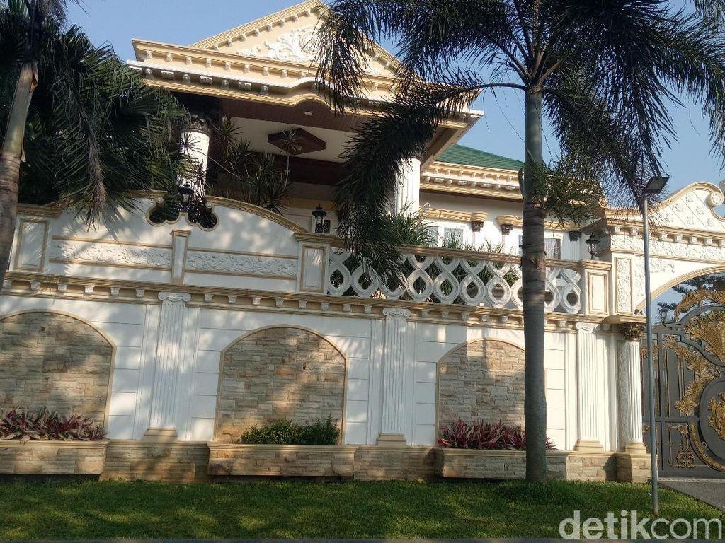 Istana Sule yang Konon Senilai Rp 15 M & Sederet Kuda Mewahnya