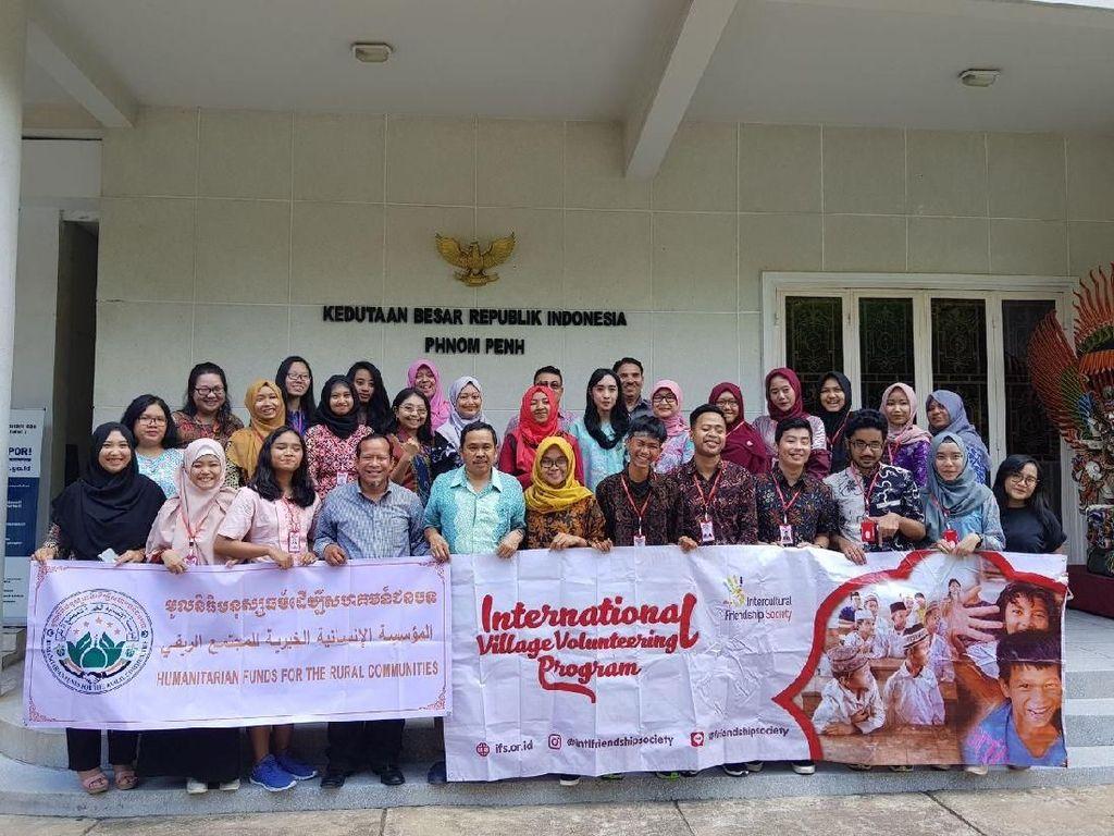 Mahasiswa Indonesia Gelar Program Persahabatan di Kamboja