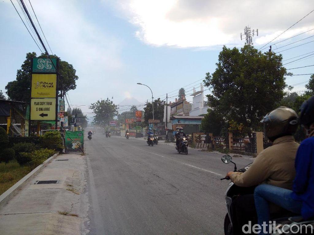 Erupsi Freatik Gunung Merapi Picu Hujan Abu, Ini Dampaknya Bagi Paru-paru