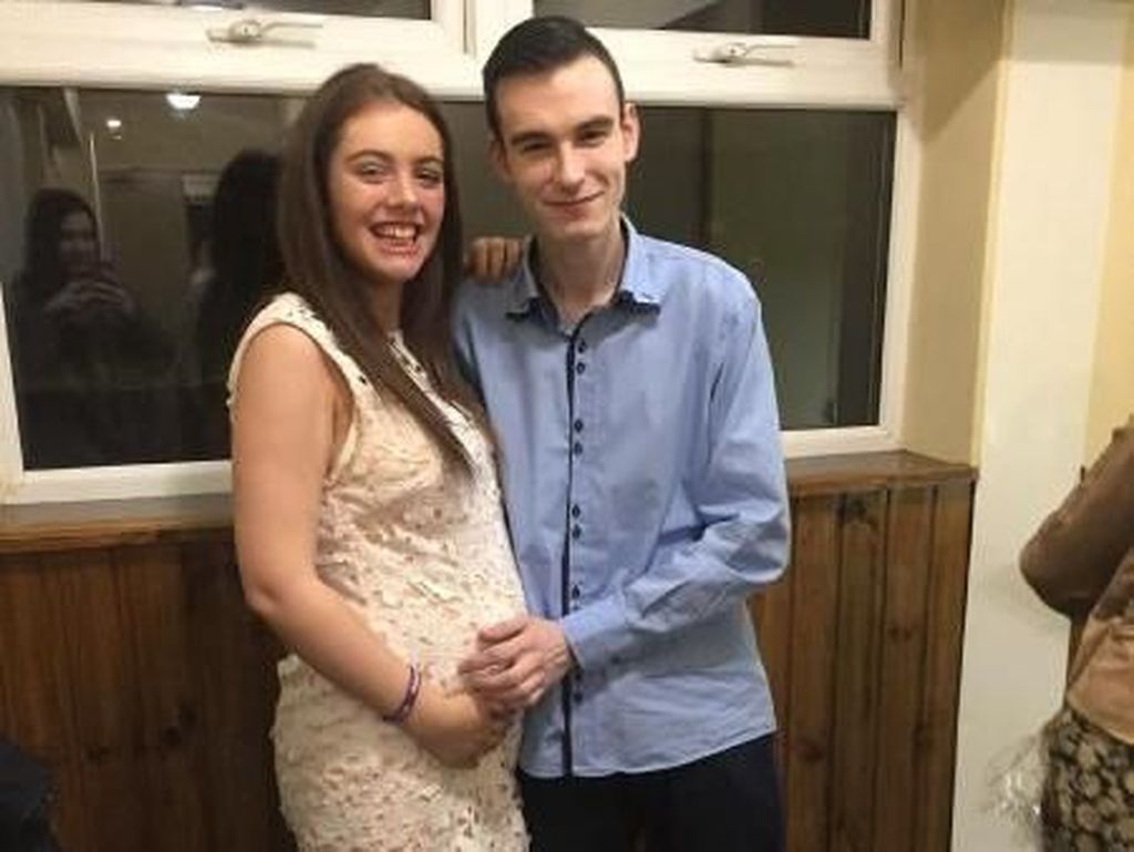 Kisah Pilu Pasangan Galang Dana untuk Pemakaman Bayinya yang Belum Lahir