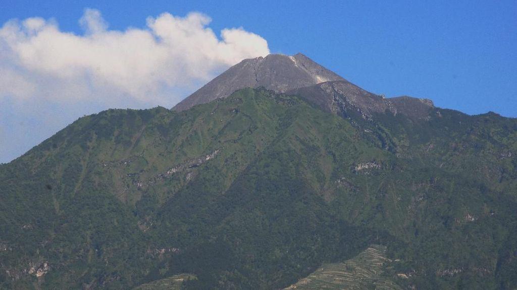 Gunung Merapi Meletus Freatik