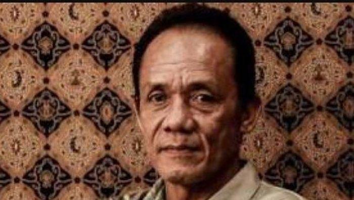 Legenda sepakbola Indonesia Zulkarnain Lubis meninggal dunia. (Foto: Twitter @akmalmarhali)